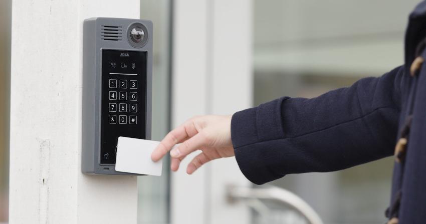 a8207_hand_keycard_access_1903_1700w.jpg